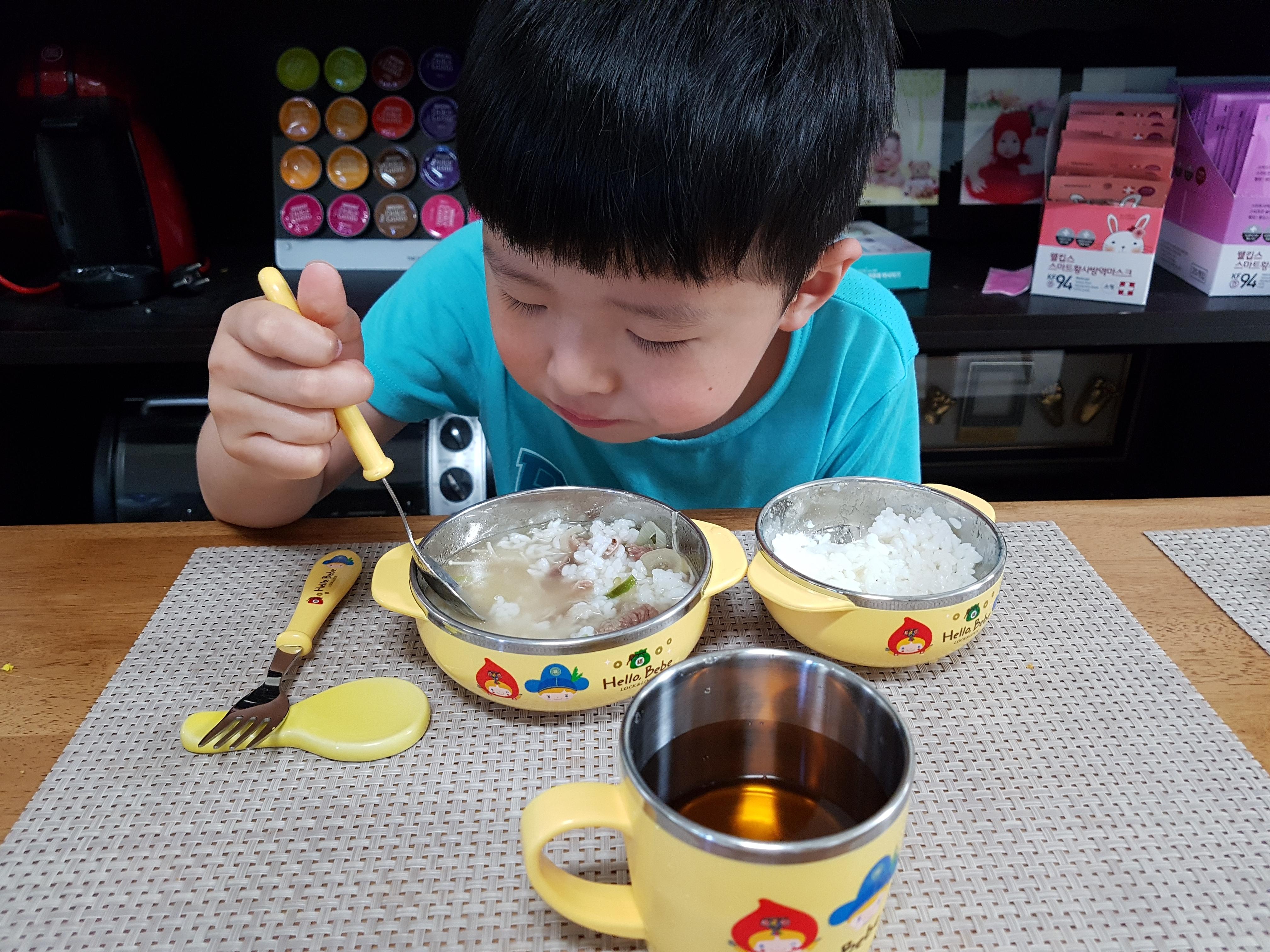 락앤락  헬로베베스텐식기 세트 +  웅진식품 장쾌삼 어린이 홍삼왕 후기